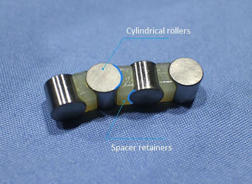 crossed roller bearing rollers and space retainers